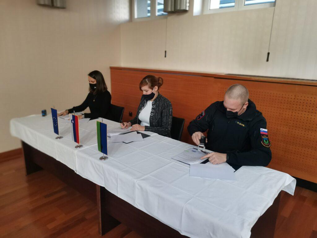 Gasilsko vozilo podpis pogodbe