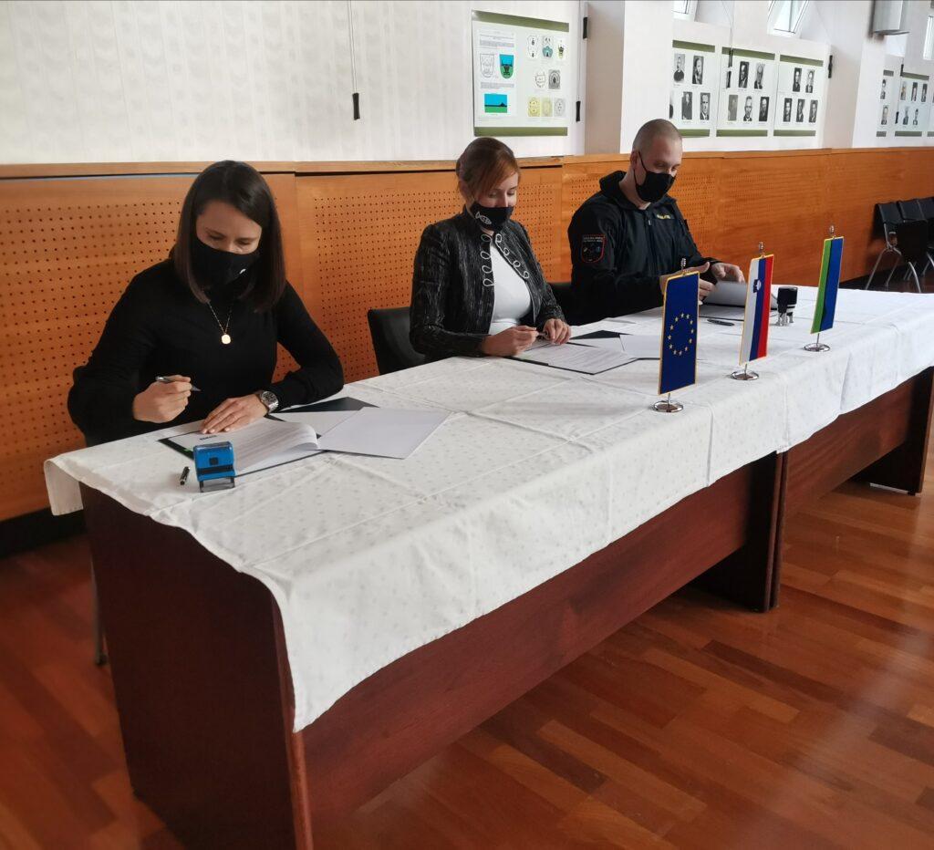 Podpis pogodbe cisterna
